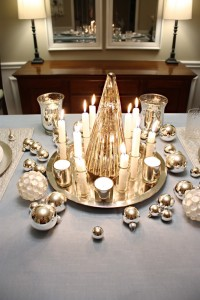 Christmas-table-setting-silver
